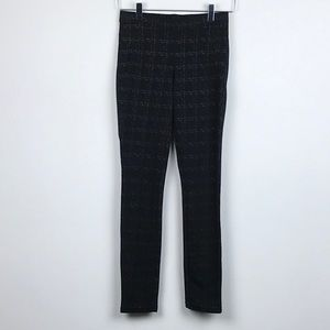 HUE Fashion Leggings with Two Front Pockets